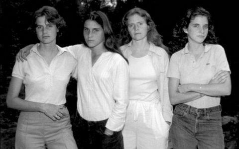 4 αδερφές φωτογραφίζονται μαζί κάθε χρόνο από το 1975