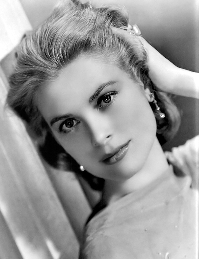 9.25-most-beautiful-women-before-color-photos-231