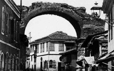 Σπάνιες φωτογραφίες της Θεσσαλονίκης από έκθεση στη Bologna