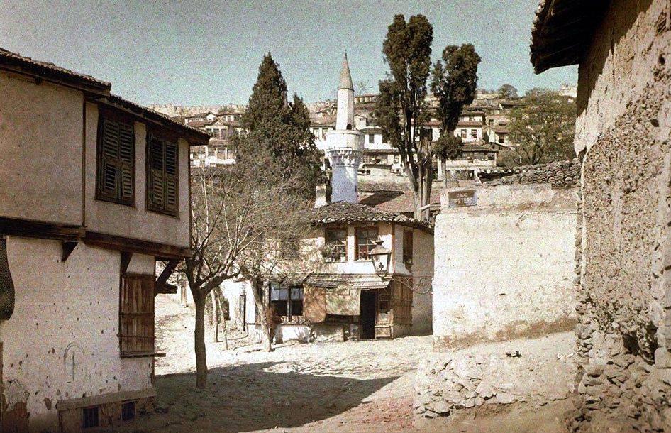 Tzamia-palias-th-Mesunt-Hasan