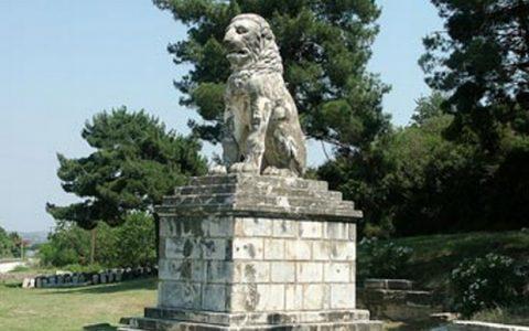Όταν ο Aθηναίος γλύπτης Α. Παναγιωτάκης αναστήλωνε τον υπέροχο Λέοντα της Αμφιπόλεως