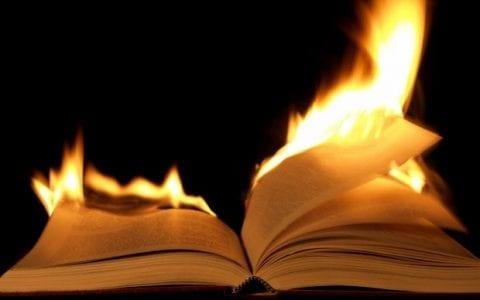 Όπου καίνε βιβλία σύντομα θα κάψουν και ανθρώπους