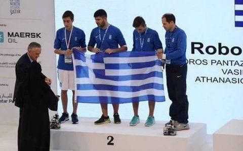 Ασημένιοι Ολυμπιονίκες οι Θρακιώτες «Robo Specialists» με το ρομπότ ποδοσφαιριστή!