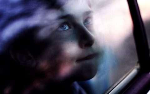 Ένας δεκάλογος για να προστατευτούν τα παιδιά από συναισθηματικούς τραυματισμούς