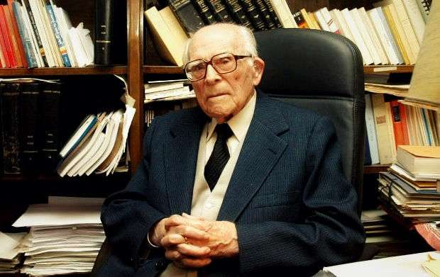Εμμανουήλ Κριαράς: ο έρωτας ζει και πέρα από τα 104