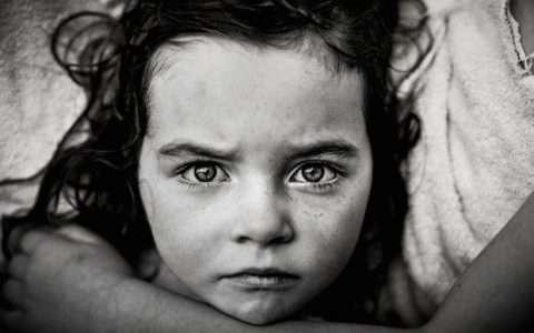 Μάτια άγγελοι, από τη Χρύσα Κατσιτοπούλου