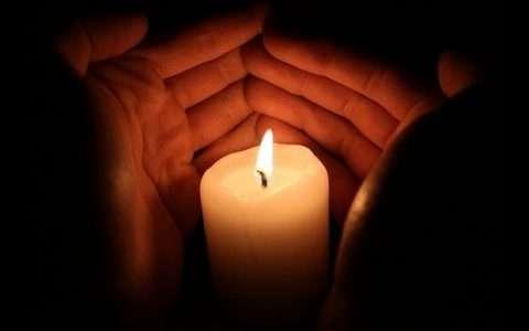Η φλόγα, από τη Φανή Ναθαναηλίδου