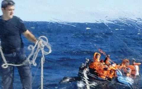 4.1 miles: το ελληνικό ντοκιμαντέρ που διεκδίκησε Όσκαρ και ριζώνει την ανθρωπιά μας