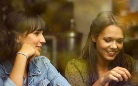 Γιατί το να μιλάμε λειτουργεί θεραπευτικά;