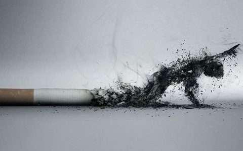 Εσείς ακόμα καπνίζετε;