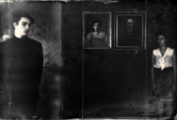 Τρεις εβδομάδες σιωπής, από την Κατερίνα Βουρσούκη