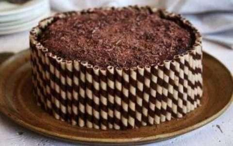 Η εύκολη τούρτα της κατσαρόλας!