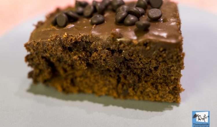 Βραστό σοκολατένιο κέικ / σοκολατόπιτα