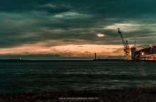©Lambros Kazan
