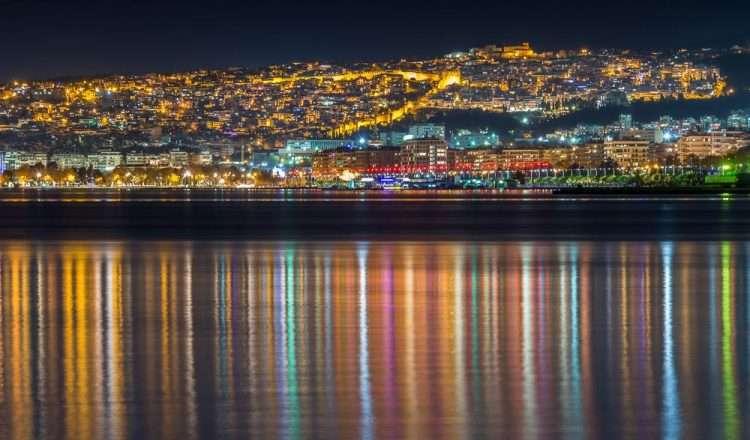 Η Θεσσαλονίκη τη νύχτα είναι έρωτας!