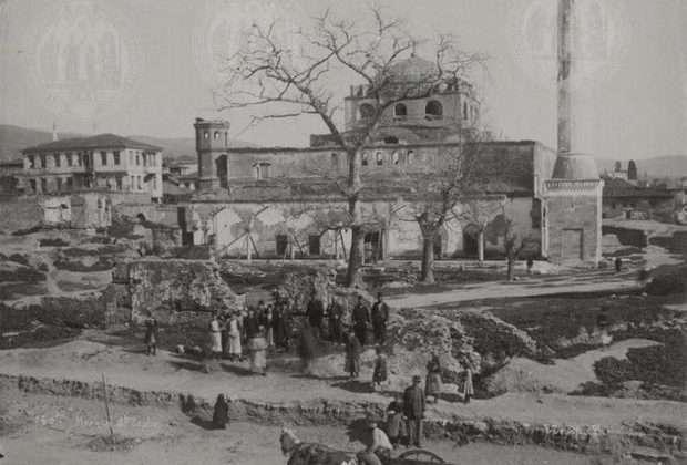 Η σπάνια φωτογραφία του βυζαντινού ναού της Αγίας Σοφίας στη Θεσσαλονίκη πριν παραδοθεί στις φλόγες