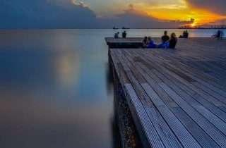 ©Παύλος Παυλίδης: στη Νέα Παραλία, σε μια γωνιά
