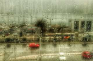 ©Eleni Lazaridou: σε ένα καφέ μια βροχερή μέρα