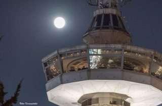 ©Nikos Karampetakis: στον  περιστερφόμενο Πύργο του ΟΤΕ
