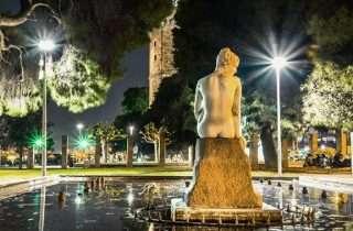 ©Stelios Polymenopoulos: στο γυμνό άγαλμα, στον Λευκό Πύργο