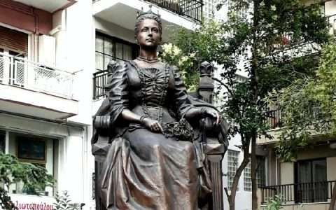 """Όλγα, η βασίλισσα που """"ατενίζει"""" τη Θεσσαλονίκη"""