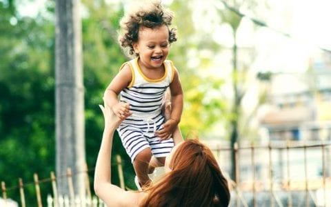 Οι καλύτεροι τρόποι για να σας ακούει το παιδί και να προσέχει τι λέτε