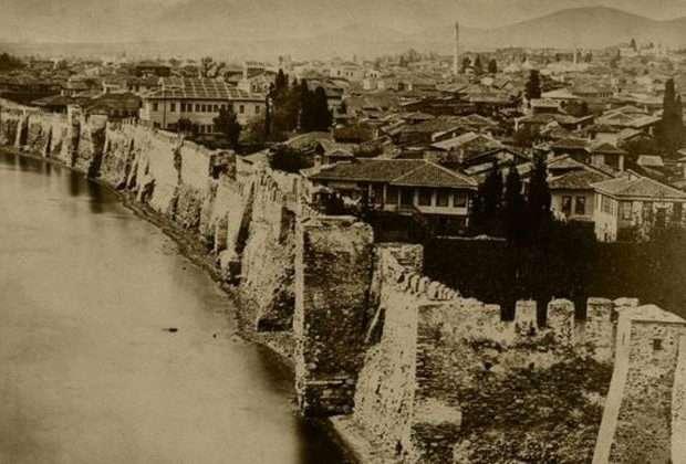 Η Θεσσαλονίκη με παραθαλάσσια τείχη!