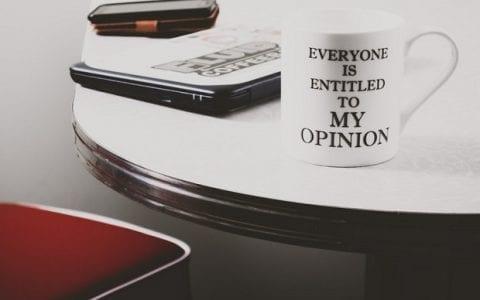 Μήπως δίνουμε υπερβολική σημασία στη γνώμη των άλλων;
