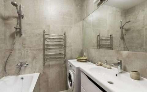 5 λύσεις για να βάλεις το πλυντήριο σε μικρό μπάνιο