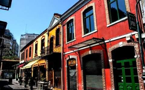 Τα χρώματα της Θεσσαλονίκης: κόκκινο