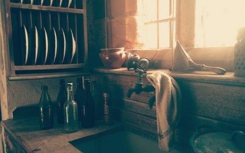 Μπουκάλια θαυμάτων, από τον Βαγγέλη Μάγειρο