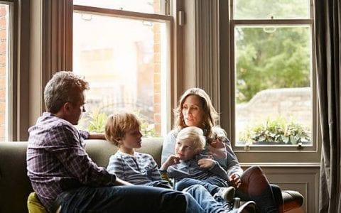 Όταν οι γονείς ανησυχούν υπερβολικά συχνά επιτυγχάνουν τα αντίθετα...