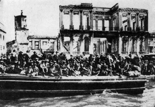 Η μεγάλη φωτιά της Σμύρνης το 1922: ένα φωτογραφικό άλμπουμ