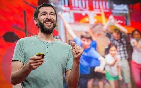 Σίζαρ Χαράντα: Πώς μαθαίνω τα παιδιά να αγαπούν την επιστήμη