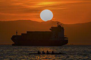 A stunning sunset captured at Thessaloniki