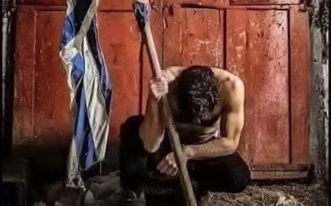 """Ολόκληρη η """"γνήσια"""" Ελλάδα, σε ένα συγκλονιστικό τραγούδι"""