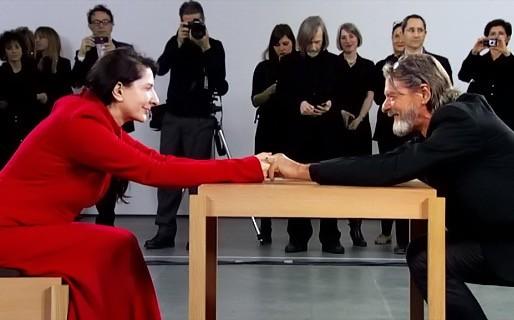Χέδερ Ροουζ: «Το μουσείο της σύγχρονης αγάπης», γράφει η Ιωάννα Γκανέτσα