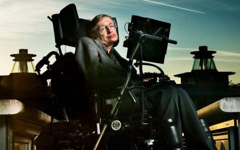 Stephen Hawking: 10 φράσεις με αξία