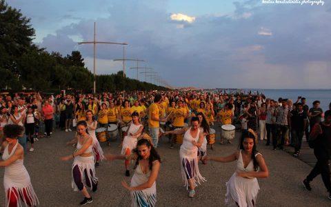 Παγκόσμιος χορός για το νερό στη Νέα Παραλία Θεσσαλονίκης: 13 φωτογραφίες από τον Κώστα Κωνσταντινίδη