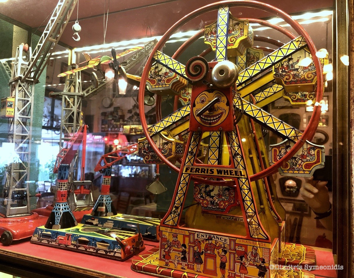 """Παιχνίδια """"αναμνήσεων"""" σε μια ιστορική ταβέρνα στη Θεσσαλονίκη"""