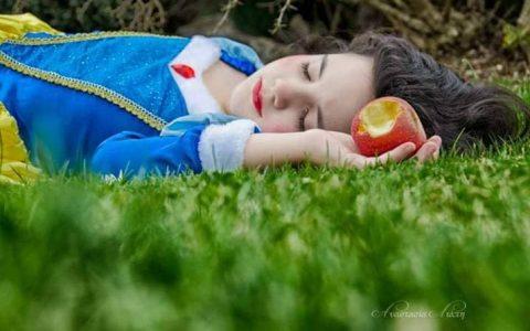 """""""Το μήλο των παραμυθιών"""" και """"Η κυρία Σκιάχτρω"""": δύο εξαιρετικά παραμύθια"""