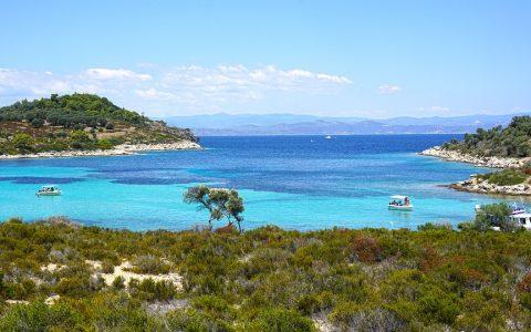Αγαπημένες παραλίες στη Σιθωνία που πρέπει να επισκεφτείς