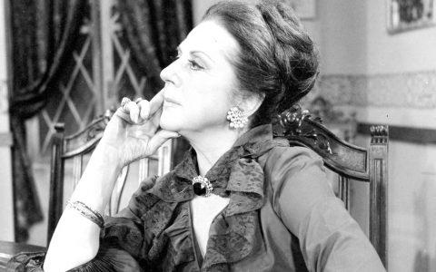"""Μαίρη Αρώνη: 6 μοναδικές ατάκες της αλησμόνητης """"Πάστα Φλώρας"""""""