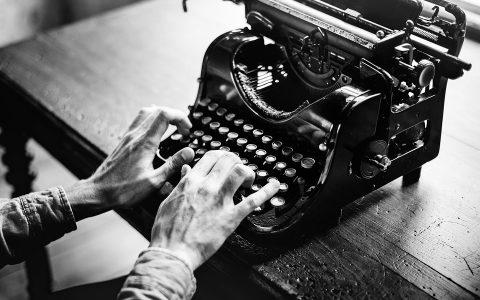 5 σύγχρονοι Θεσσαλονικείς ποιητές μέσα από αποσπάσματά τους