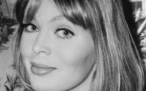 Nico: 10 γεγονότα από τον πολυτάραχο βίο της θρυλικής φωνής των Velvet Underground