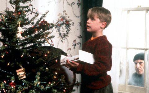 5+1 χριστουγεννιάτικες ταινίες που λατρεύουμε να μισούμε