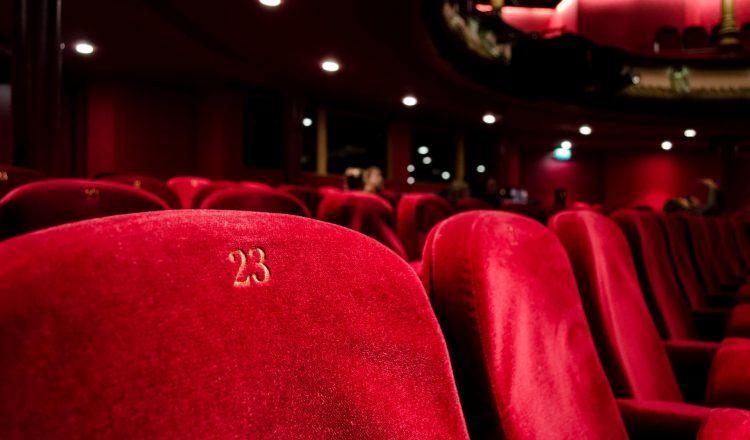 5+1 εξαιρετικές θεατρικές παραστάσεις για τον Ιανουάριο