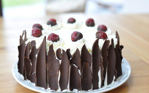 Black Forest | Η συνταγή για τη διάσημη γερμανική τούρτα με κεράσια