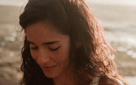 Γυναίκα μου... από τη Μαρία Σκαμπαρδώνη