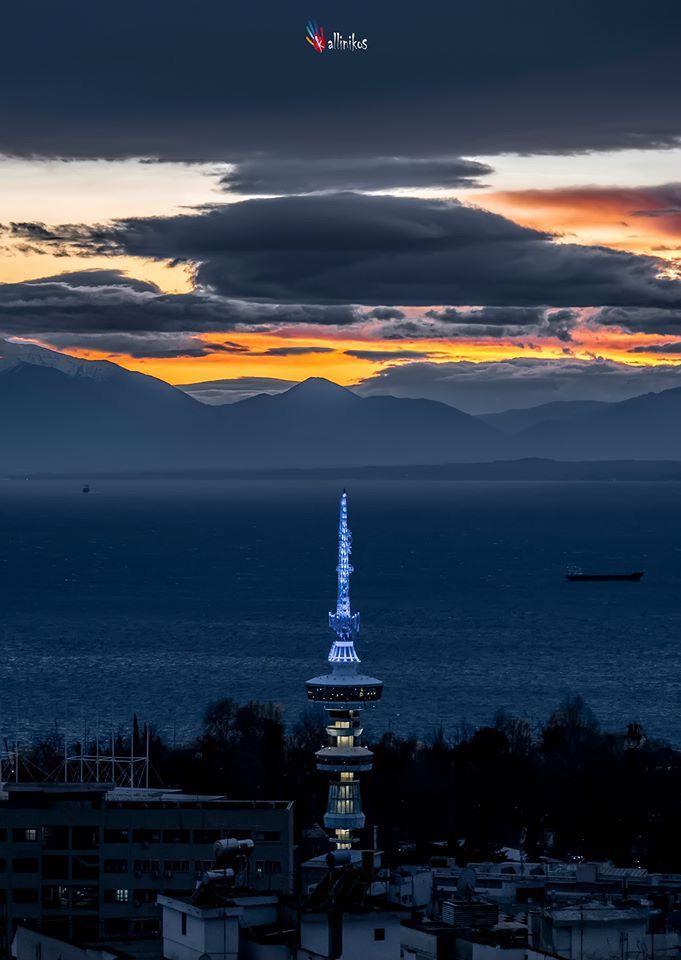 Τα ωραιότερα ηλιοβασιλέματα της Θεσσαλονίκης, κοιτάζοντας από ψηλά στον Θερμαϊκό και τον Όλυμπο